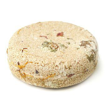 LUSH soak 'n' float shampoo bar