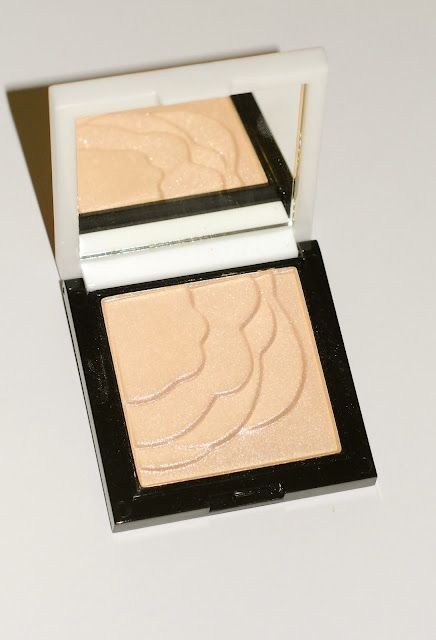 Boots  no7 vital Enlightening Highlighter Powder