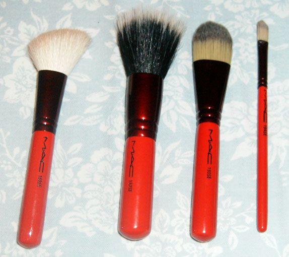 MAC Adoring Carmine Face Brush Set 2008