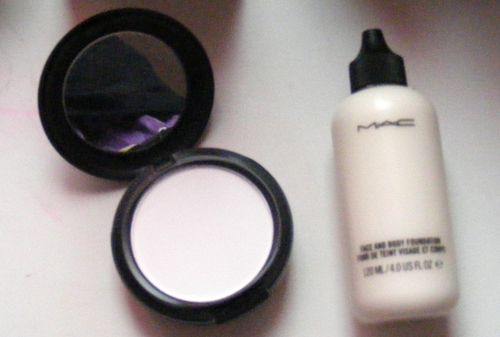 MAC Face and Body Foundation - White