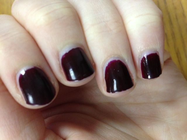 Cover Girl Outlast Stay Brilliant Nail Gloss in Wine Stain