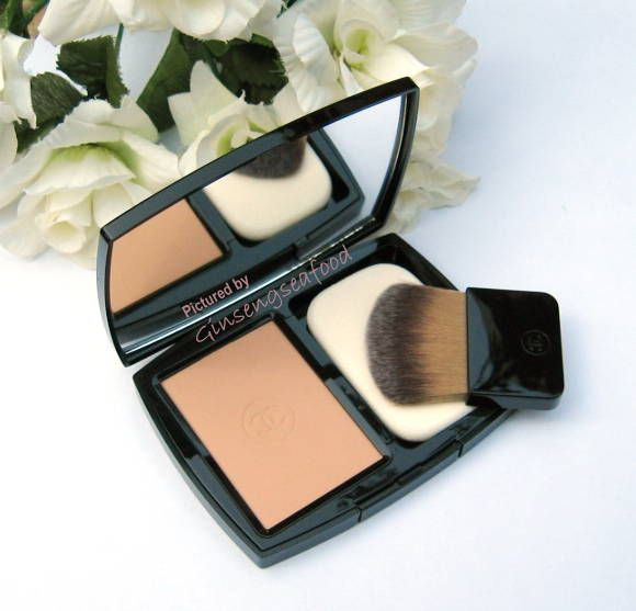 Chanel Vitalumiere Eclat de Chanel Compact Makeup [DISCONTINUED]