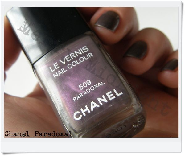Chanel Le Vernis Nail Colour in Paradoxal #509