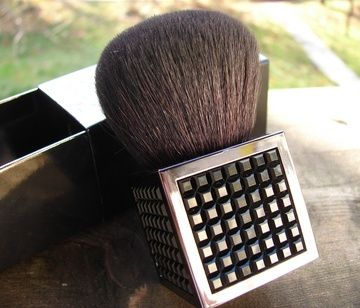 MAC 182 Buffer Brush (Couture)