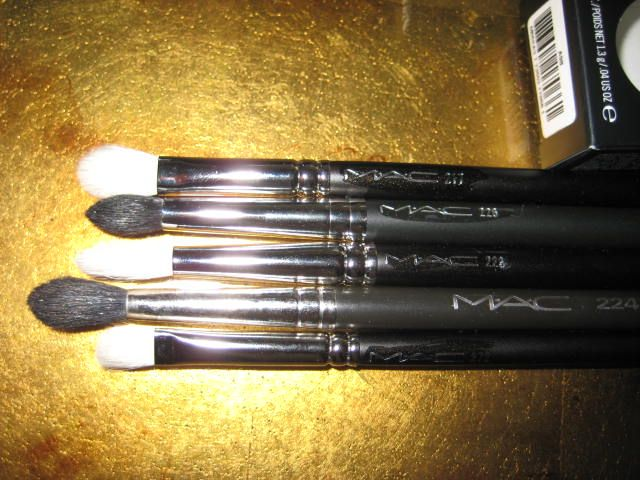 MAC 226 Small Tapered Blending Brush - BBR Collection