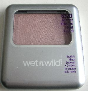 Wet 'n' Wild Silk Finish Blush in All Over Shimmer - 832D [DISCONTINUED]