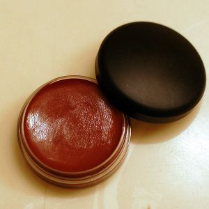 MAC Tinted Lip Conditioner - Plum Perfect [DISCONTINUED]