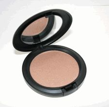 MAC Iridescent Pressed Powder - Belightful