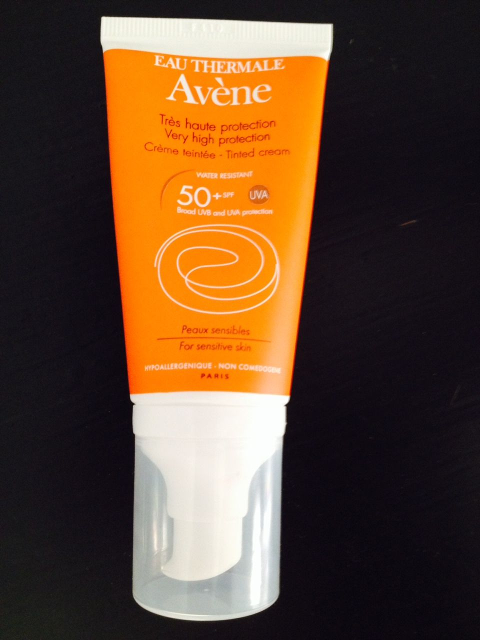 Avene  Avene Eau Thermale Very high protection Tinted Cream spf 50 Sensitive skin [DISCONTINUED]