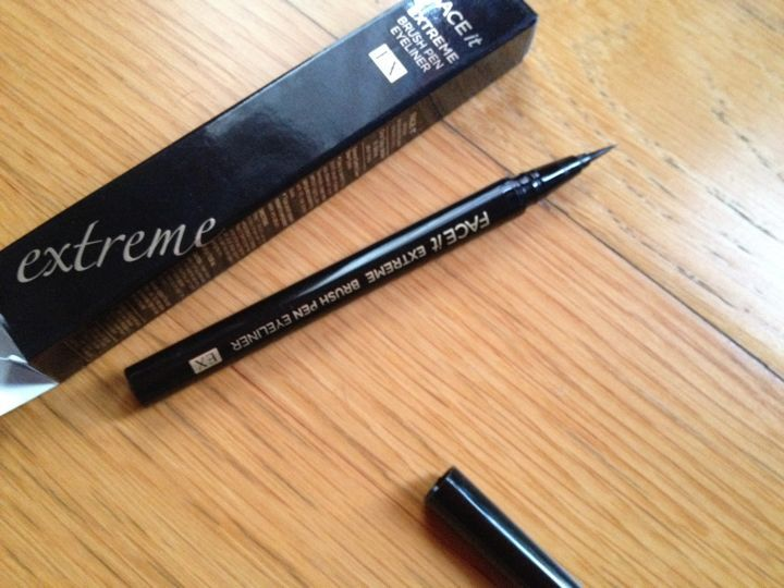 TheFACEShop FACE It Extreme Brush Pen Eyeliner