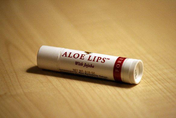 Son dưỡng lô hội, Son Dưỡng Aloe Lips giá rẻ