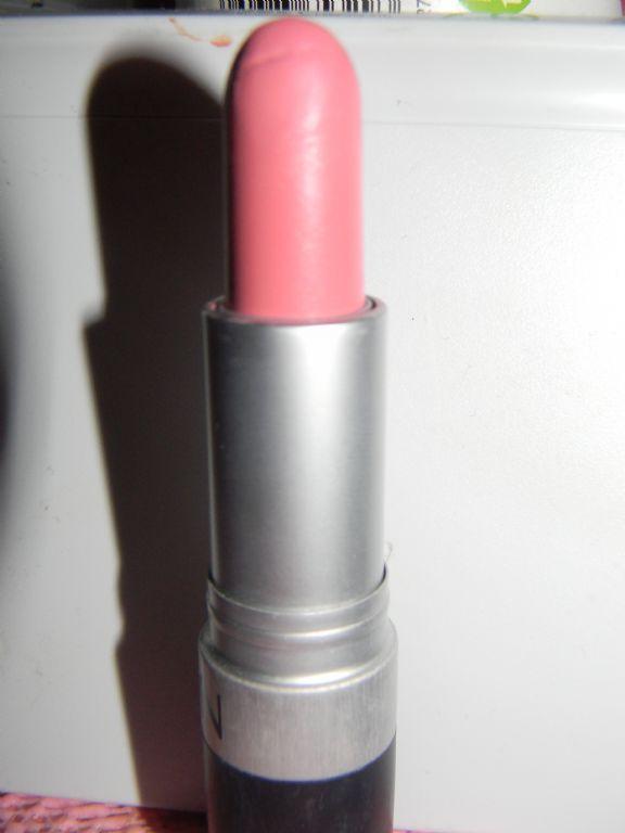 Revlon Matte Lipstick in Sky Pink