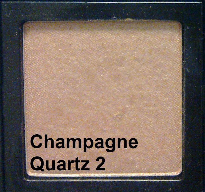 Bobbi Brown Metallic Eye Shadow in Champagne Quartz