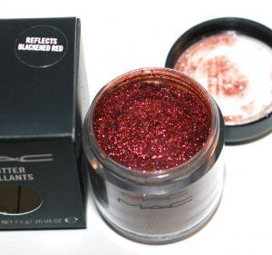 MAC Glitter- Reflects Blackened Red