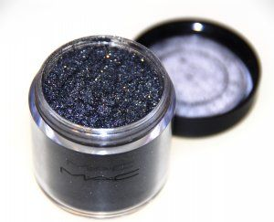 MAC Pigment in Dark Soul