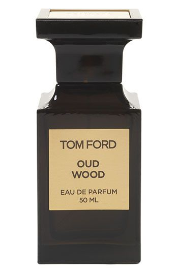 a148208c1 واذا تبي عطور بخاخات فيه عطر Tom Ford وأسمه Oud Wood ويسمونه فرخ العود ...  وهذا ماتلقاه هنا ولاينباع الافي اماكن محددة في العالم مثل هارودز في لندن.