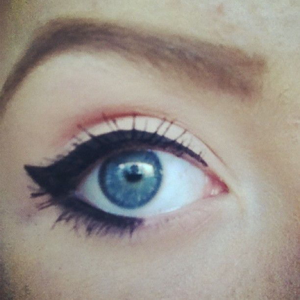 Essence Eyebrow pencil
