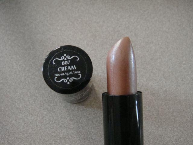 NYX Cream Round Lipstick