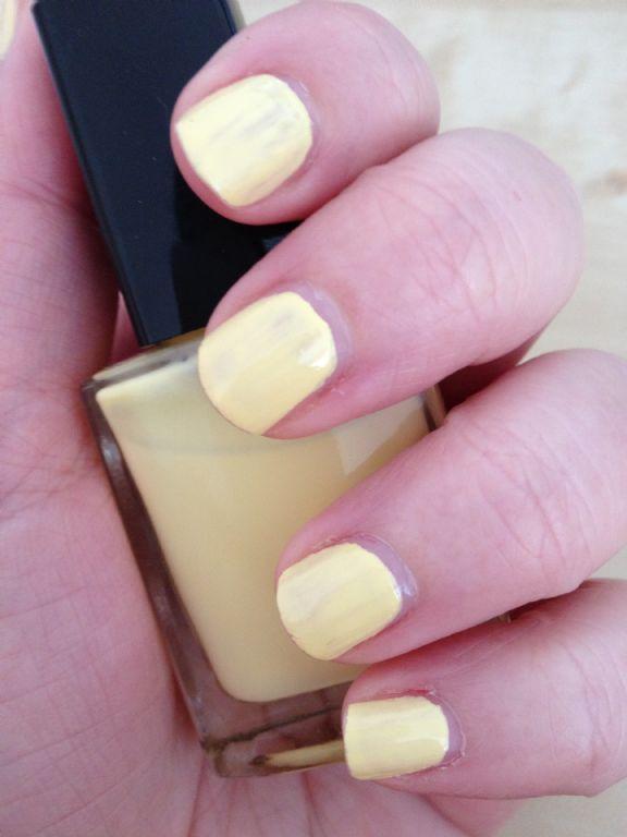 Avon Nailwear Pro+ in Lemon Sugar