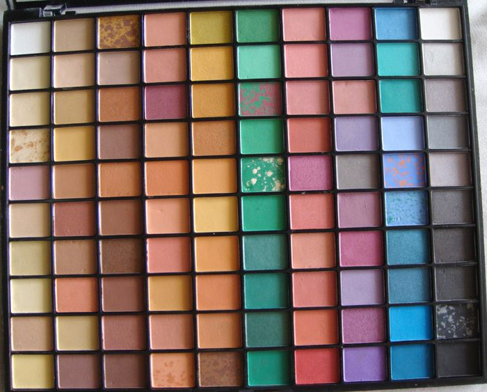 E.L.F. 100 piece Marble eyeshadow pallette