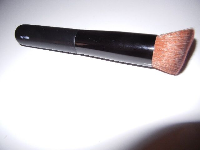 H & M  Makeup Brushes