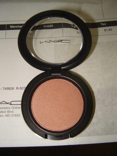 MAC Beauty Powder in Eversun