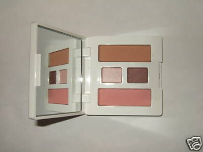 Clinique Soft pressed powder blusher in Pink blush