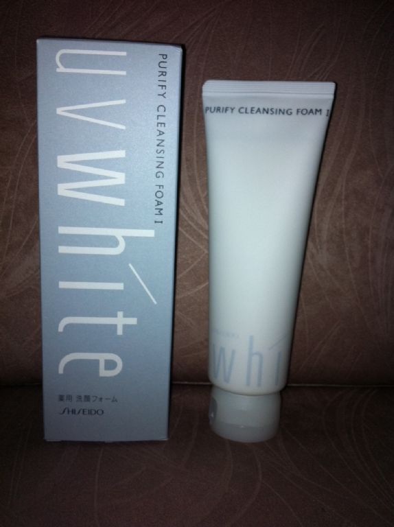 Shiseido  UV White Clarifying Cleansing Foam I