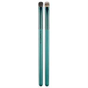 MAC Alluring Aquatic #233 Split Fibre Eye Shadow Brush