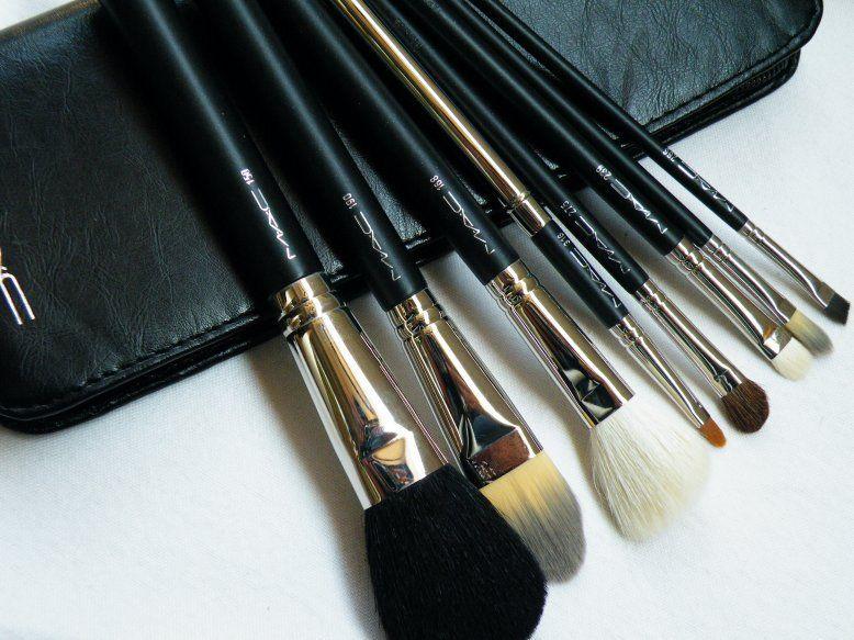 MAC 2001 Holiday Brush set