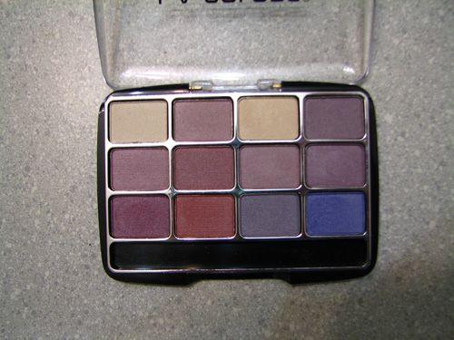 L.A. Colors 12 Color Eyeshadow Palette in Chic
