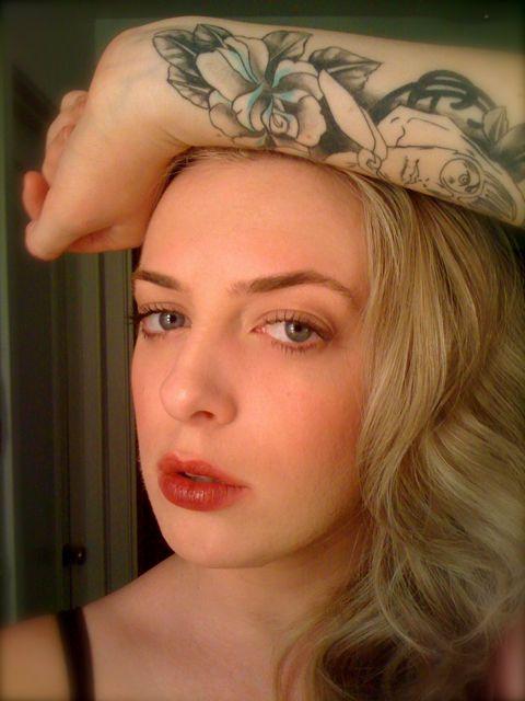 BeneFit Cosmetics Silky-Finish Lipstick in Ms. Behavin