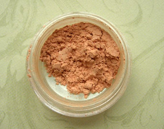 Fyrinnae Mineral Highlighter in Center Stage