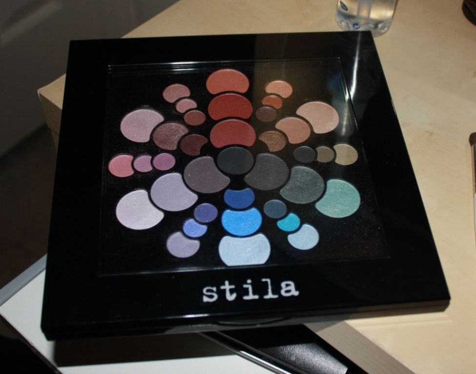 Stila color wheel eyeshadow palette
