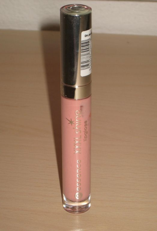 Essence XXXL Shine Lip Gloss in Nude Candy