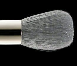 MAC 109 Small Contour Brush