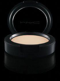 MAC Cream Color Base in Pearl