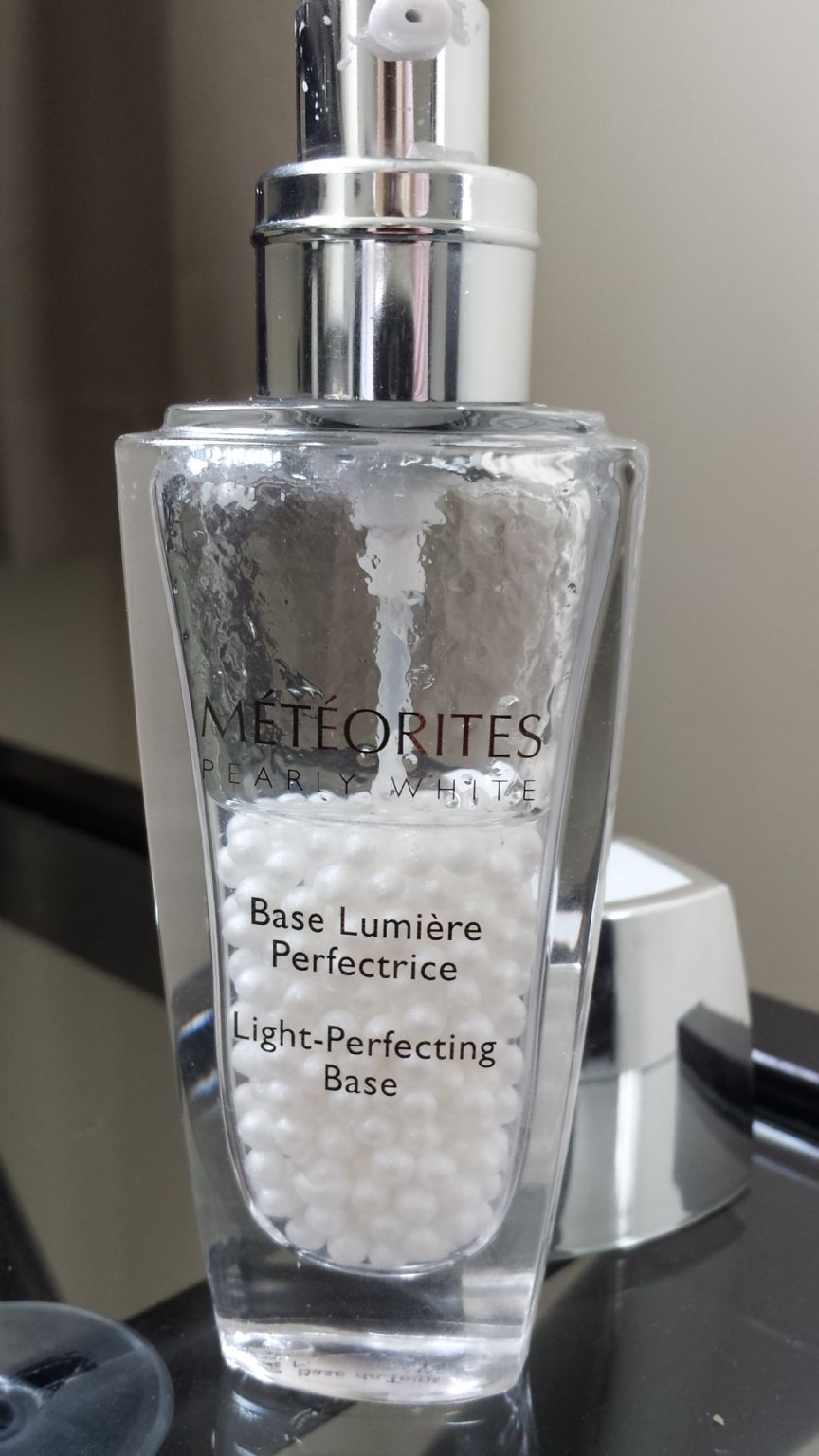 Guerlain meteorites pearly white light perfecting base