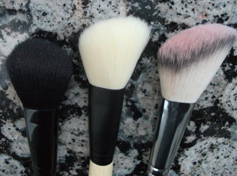 E.L.F. Mineral Angled Blush Brush