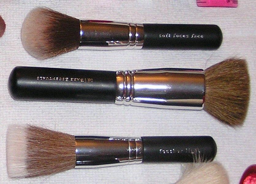 Bare Escentuals Soft Focus Face Brush