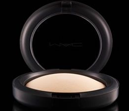MAC Mineralize Skinfinish Natural - Light