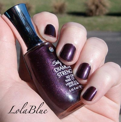 Sally Hansen Diamond Strength in Deeply Violet (92)