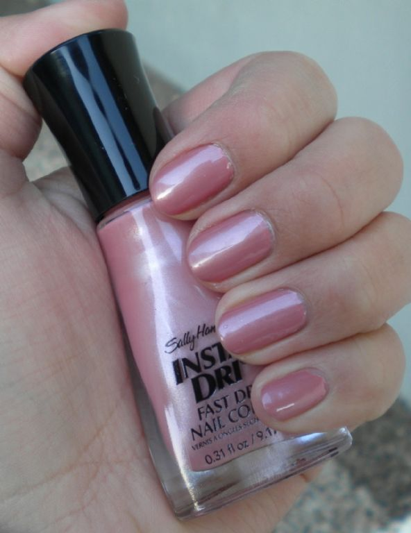 Sally Hansen Insta-Dri Mauve It