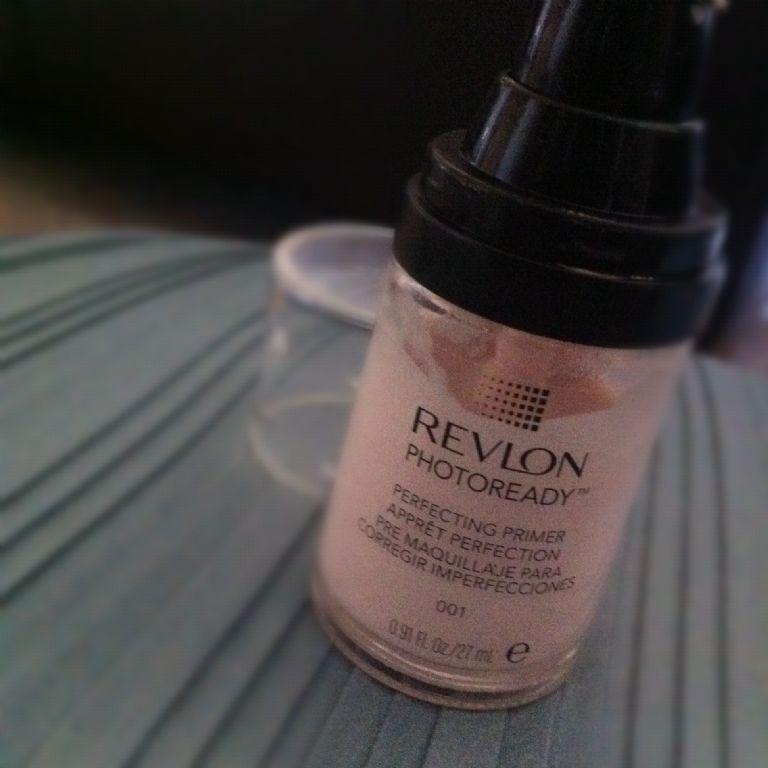 Revlon PhotoReady Perfecting Primer (color 001) reviews