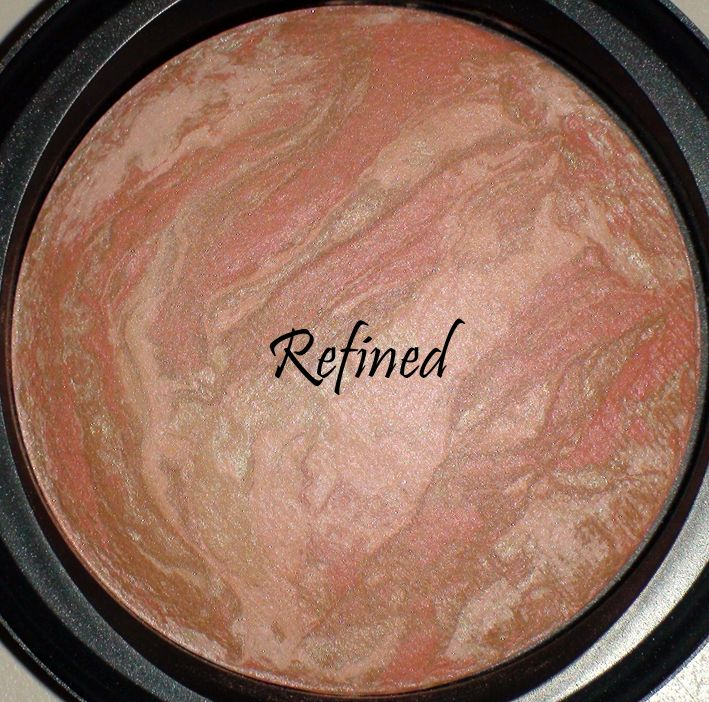 MAC Mineralize Skinfinish in Refined [DISCONTINUED]