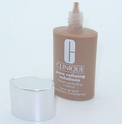 Clinique Pore Refining Solutions Instant Perfecting Makeup [DISCONTINUED]