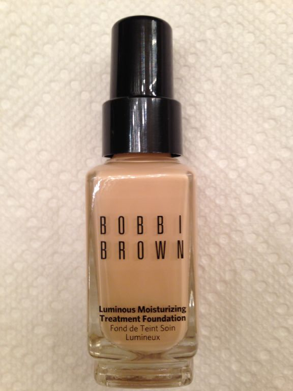 Bobbi Brown Luminous Moisturizing Treatment Foundation