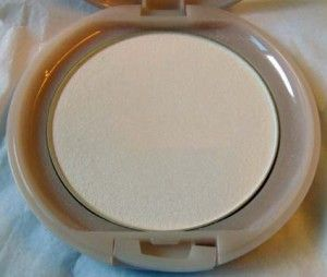Paul & Joe Pressed Powder - 02 Vanille