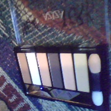 Aziza 6 Color EyeShadow Palette