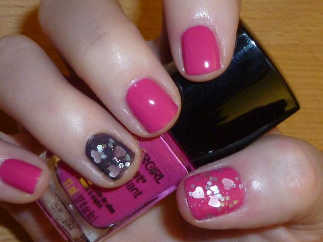 Cover Girl Outlast Stay Brilliant Nail Gloss in Tickled Pink